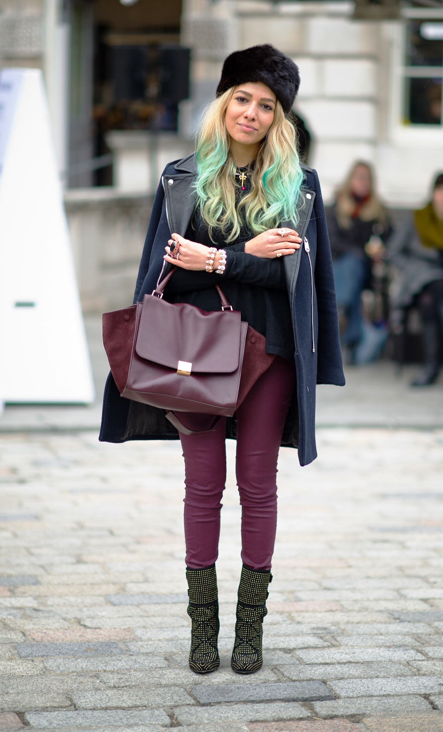 Chic-And-Fancy-Street-Style-Fashion-This-Winter-