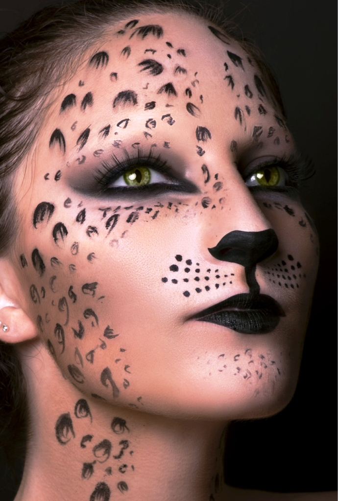 30 Unique Halloween Makeup Ideas For Women Flawssy