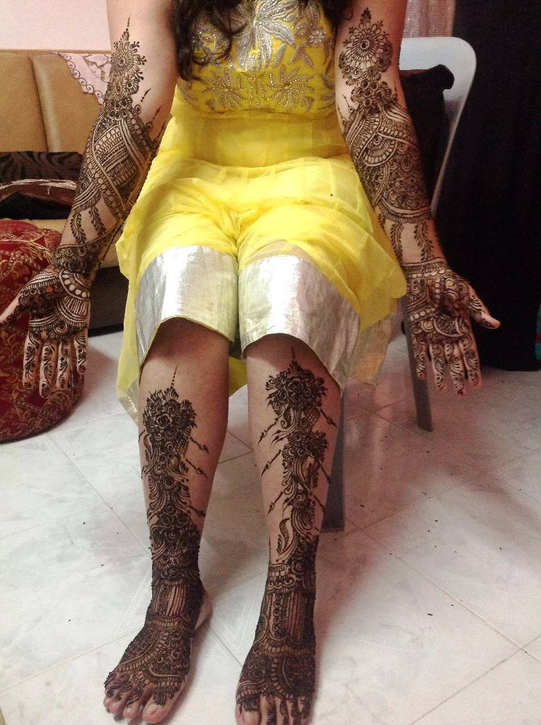 Full Mehndi Designs for both hands and legs