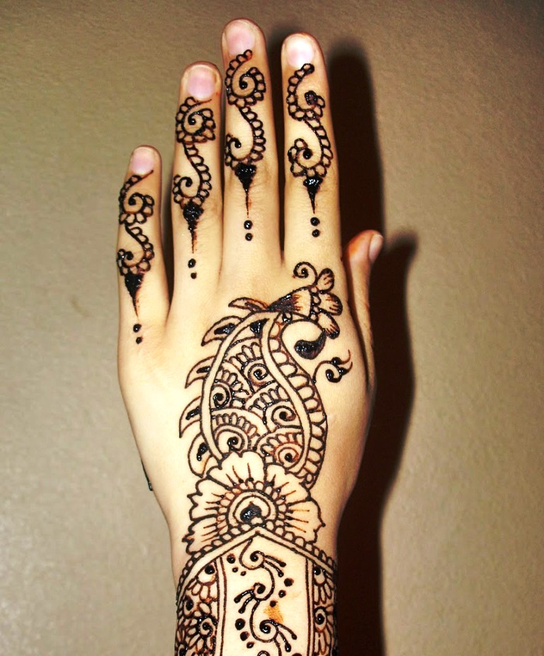 best mehndi-design-for-left-hand 2016