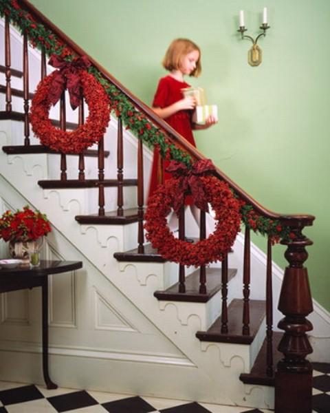christmas-staircase-idea