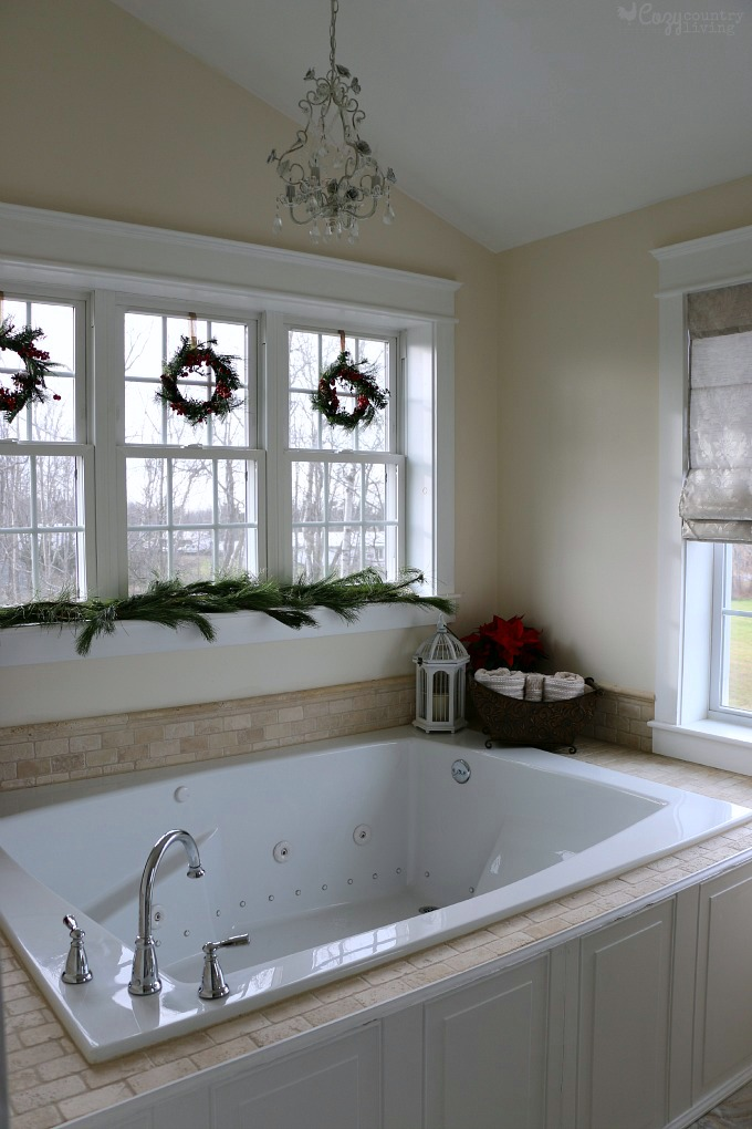 decorate-your-small-bathroom