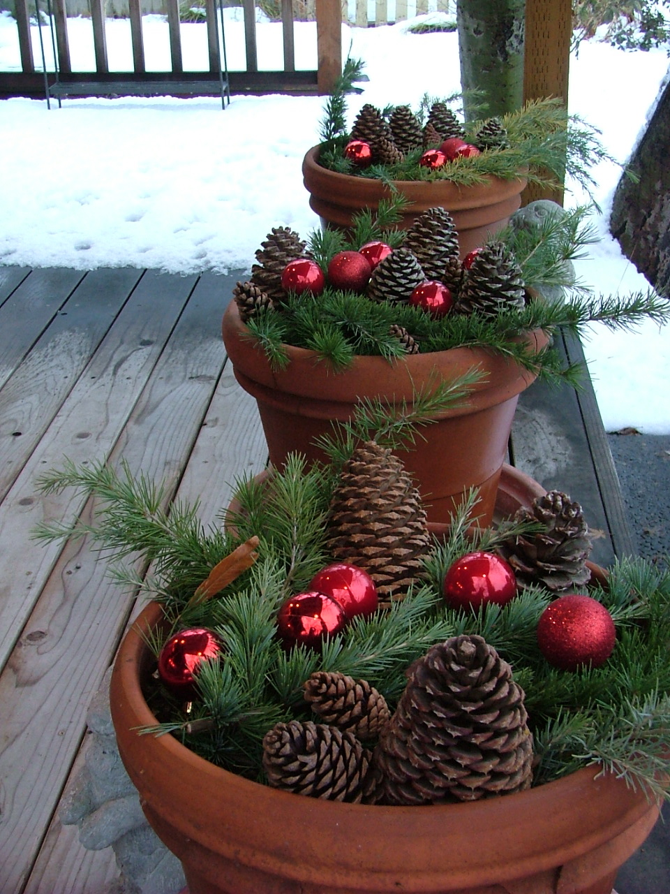 easy-outdoor-christmas-decorating