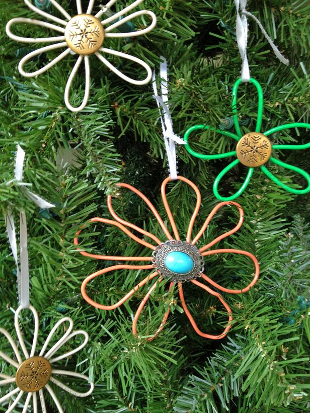 make-wire-christmas-ornaments
