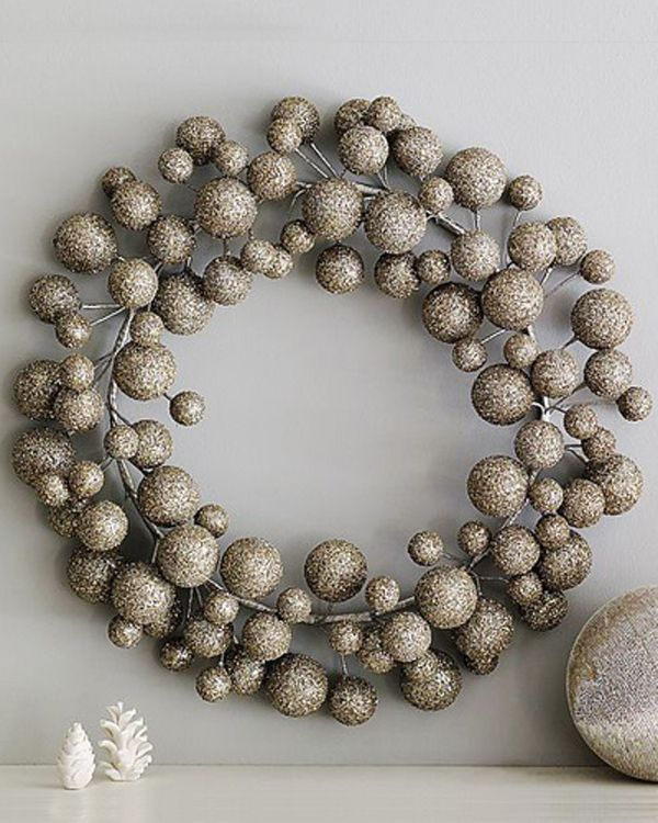 silver-christmas-wreath-decorating-ideas