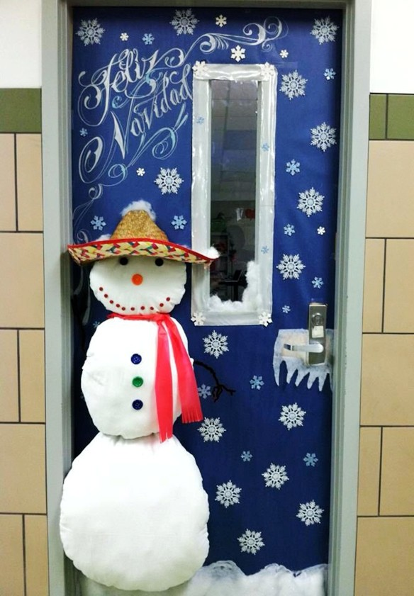 snowman-classroom-door-christmas-decorating-ideas