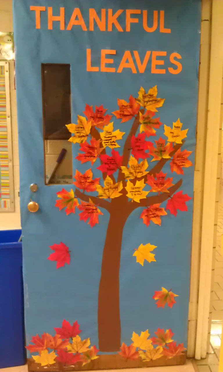 thanksgiving-classroom-door-decorations-tree