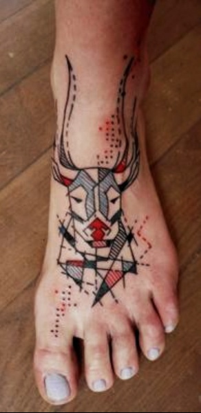 geometric-deer-head-tattoo