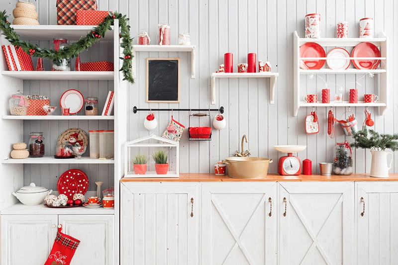 30 Ideas for Decorating a Kitchen for Christmas
