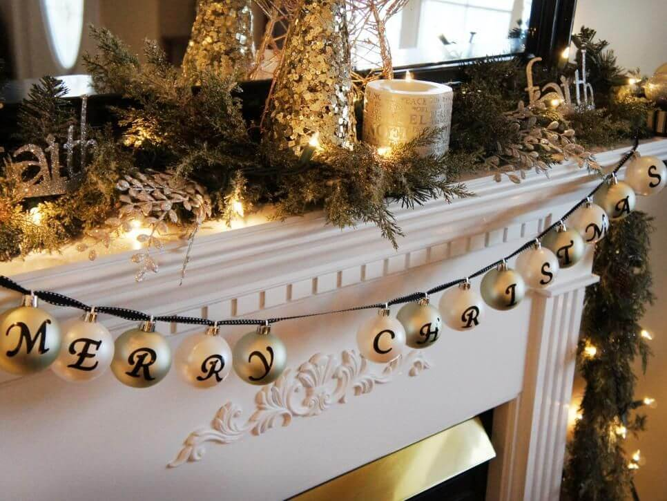 Christmas baubles garland (1)
