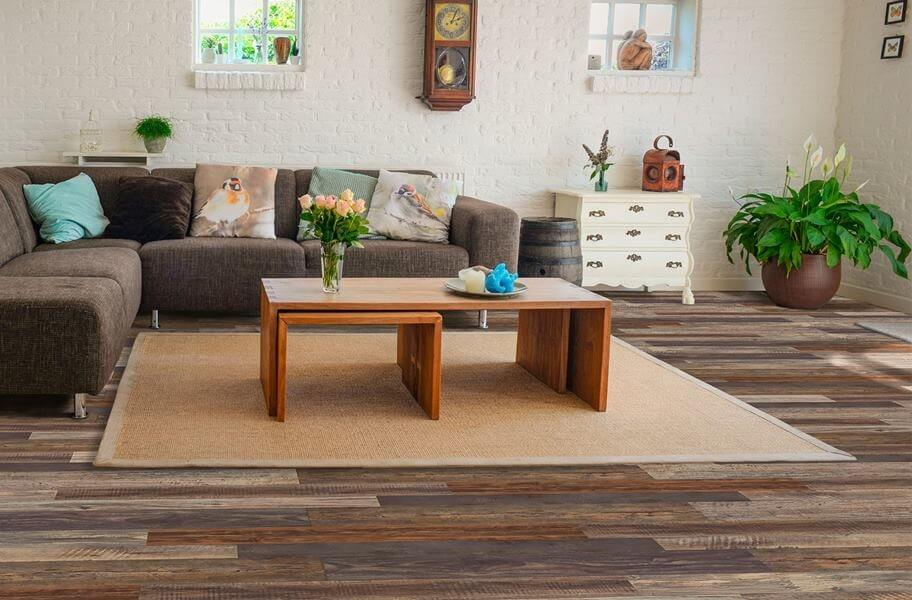 10 Tips to Choose Flooring for the Living Room (1)