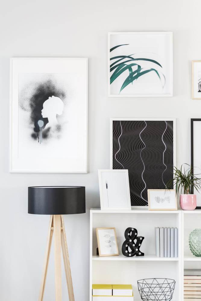 A mixture of half-hung, half-posed frames (1)