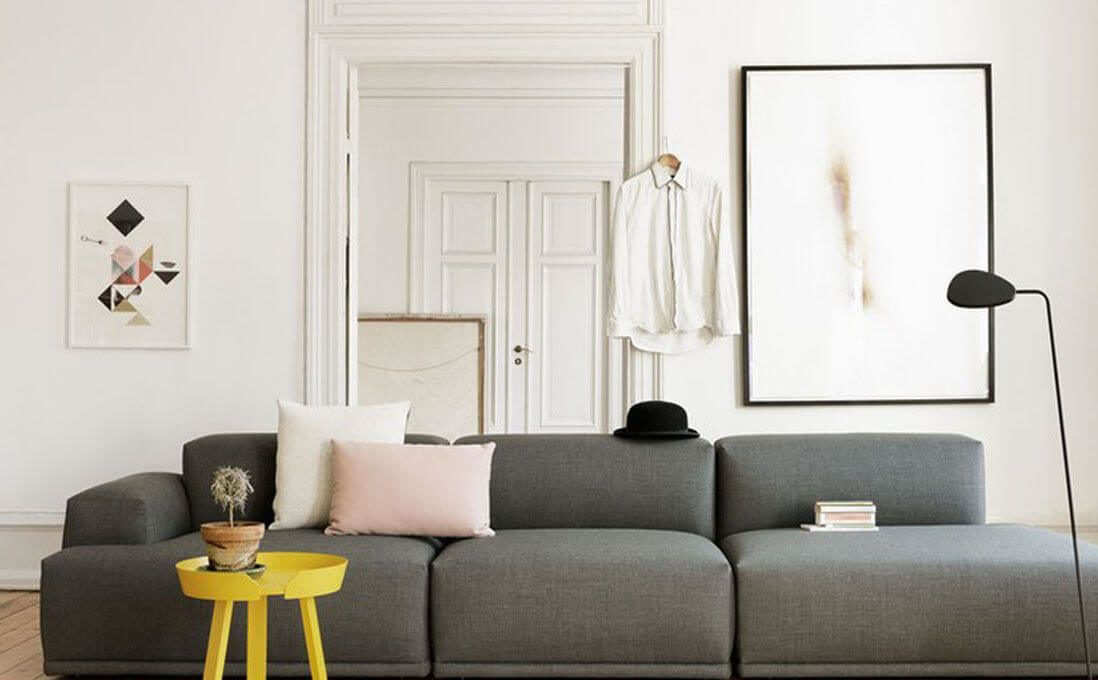 Vary the sizes of your frames from one wall to another (1)