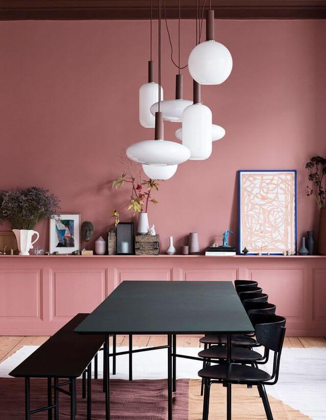 A wall colored in salmon pink (1)